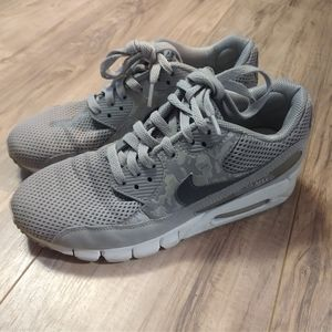 Nike 7.5 Gray Air Max 90 Current Sample Shoes